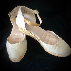 White Mountain Beige w/Gold Shimmer Espadrilles